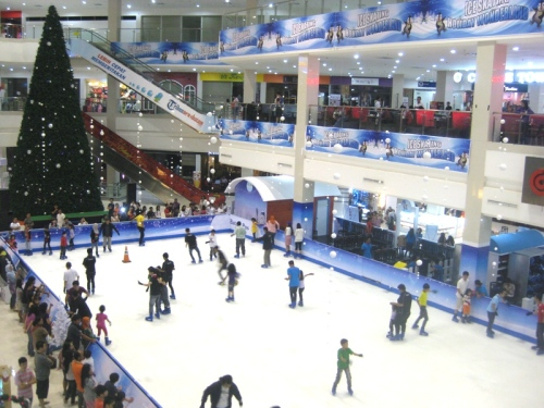 Ice Skating Kepri Mall