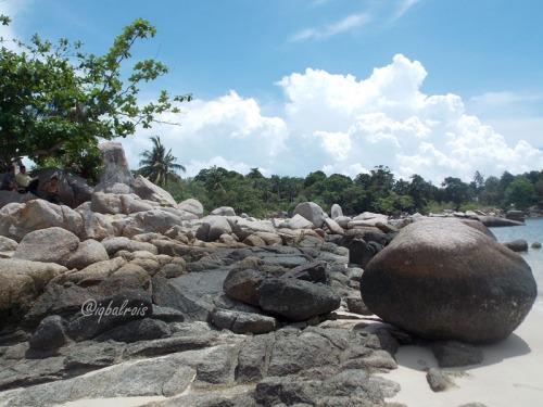 Pantai Trikora 5