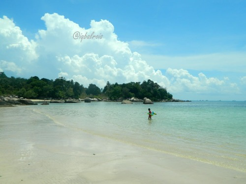 Pantai Trikora 8