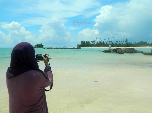 Pantai Trikora 9