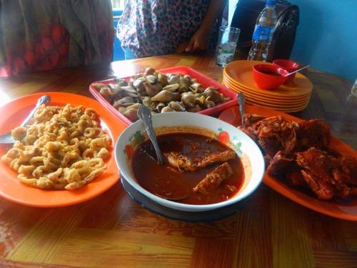 makan siang kami   (˘ڡ˘)