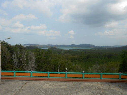 pemandangan dari pagoda quan am tu