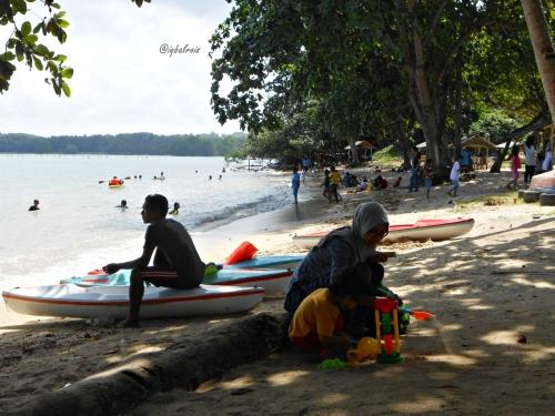 Pantai Dangas 3